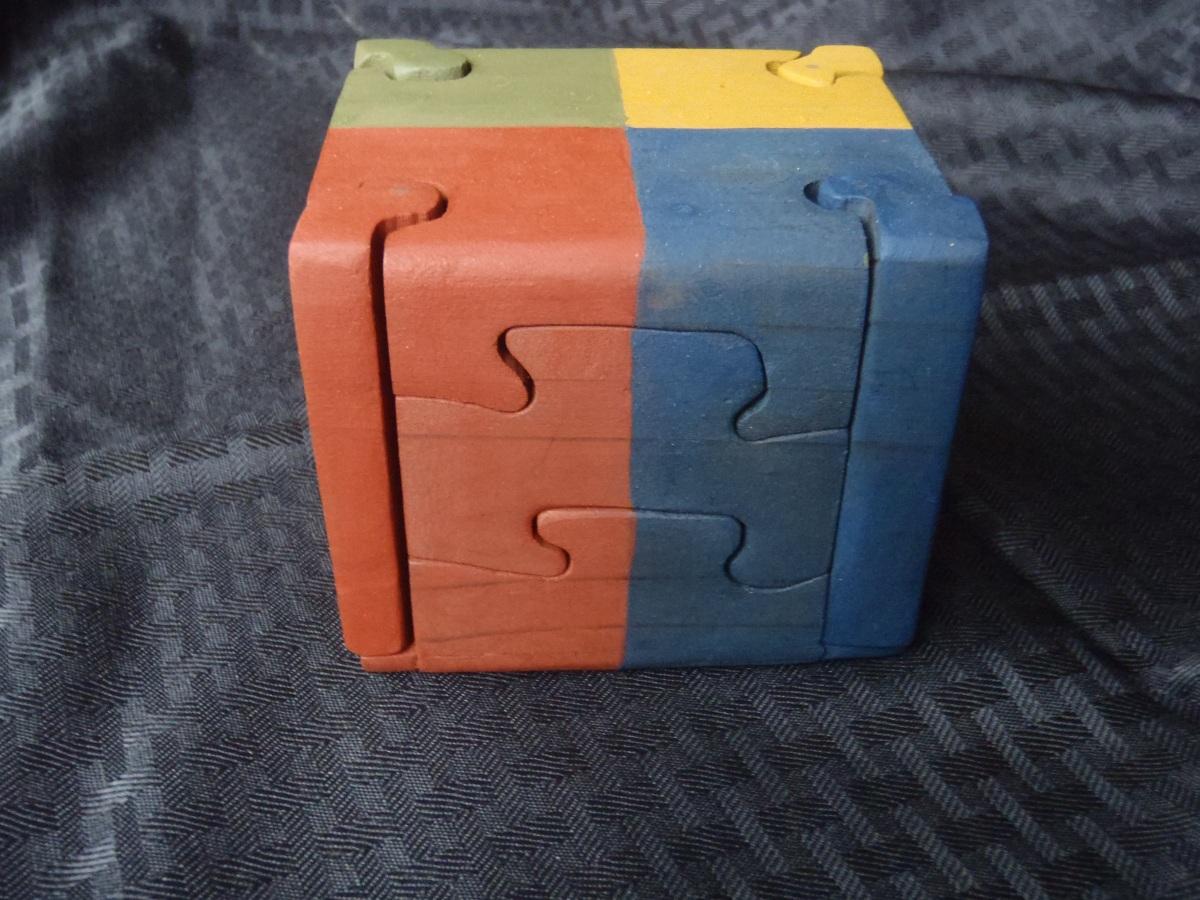 7 peice puzzle box